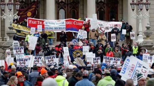 IBEW strikers